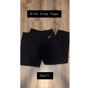 Women's Nike Crop Yoga Pants
